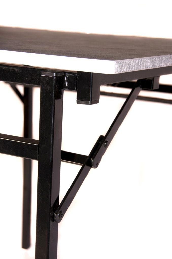 стол фуршетный квадратный